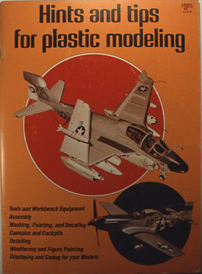 『Hints and tips for plastic modeling』 The international plastic modelers society, Kalmbach k books., USA 1980 薄く大判な本。多数のモノクロ写真とともに身近なものをちょっとしたヒントで工作に役立てる例を集めた本