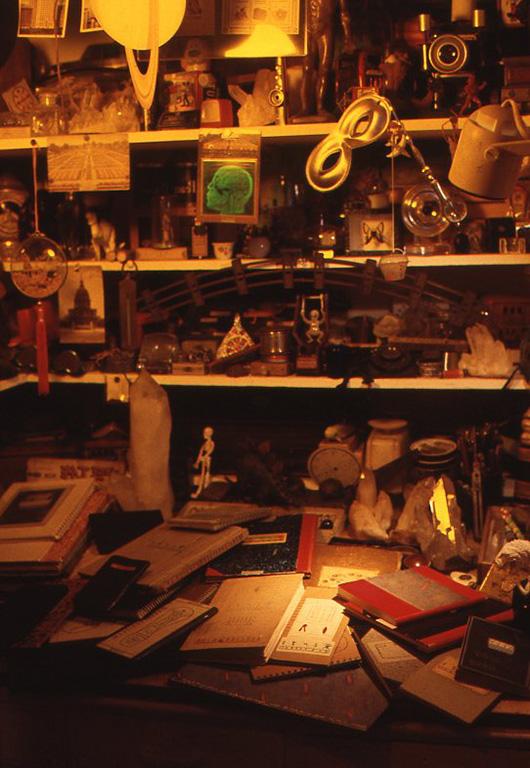 1999年頃の小林健二アトリエ(執筆するための部屋の一角)