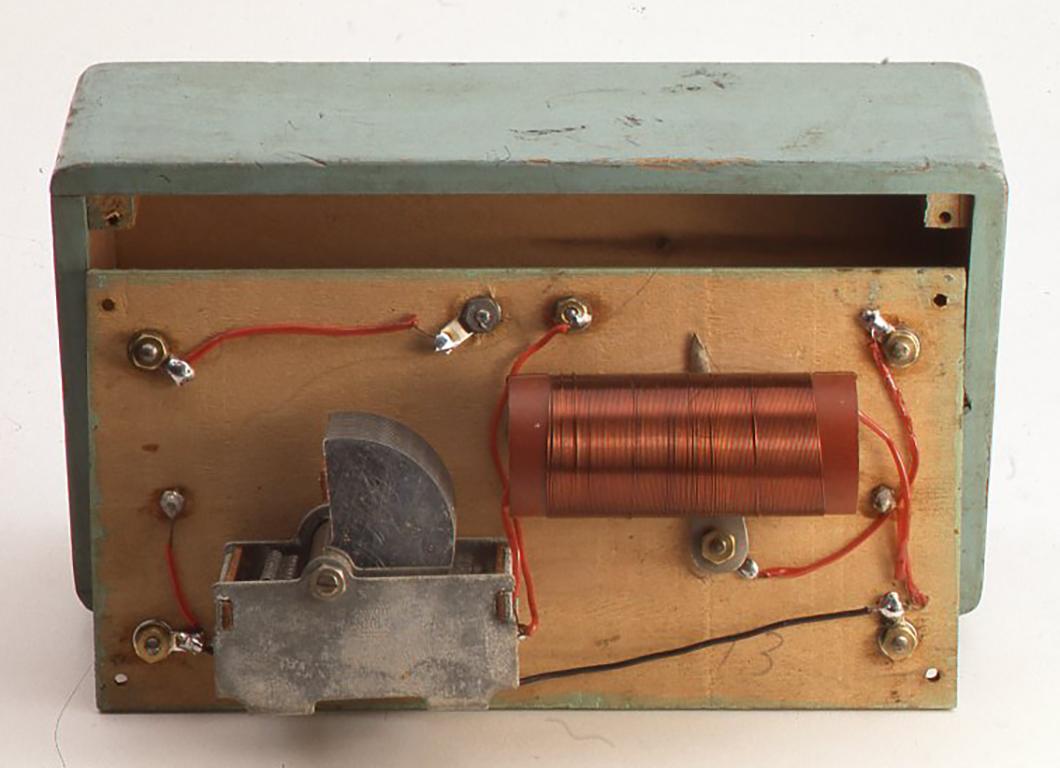 メロディークリスタルラジオの内部