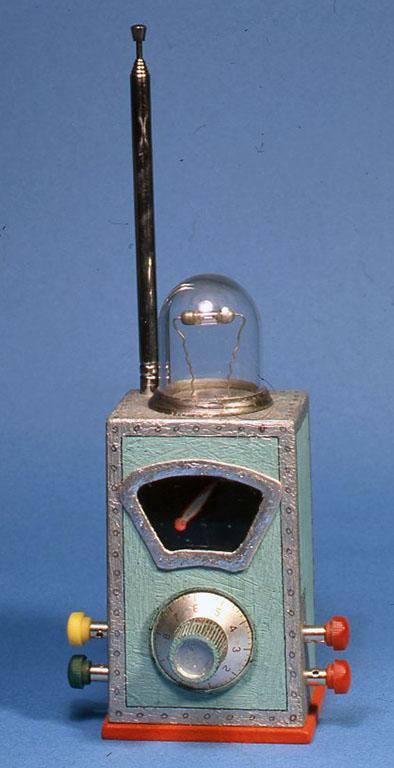 COMET GERMA Radio W82X D70×H132(mm)(端子、ツマミを合み、アンテナは含まず)