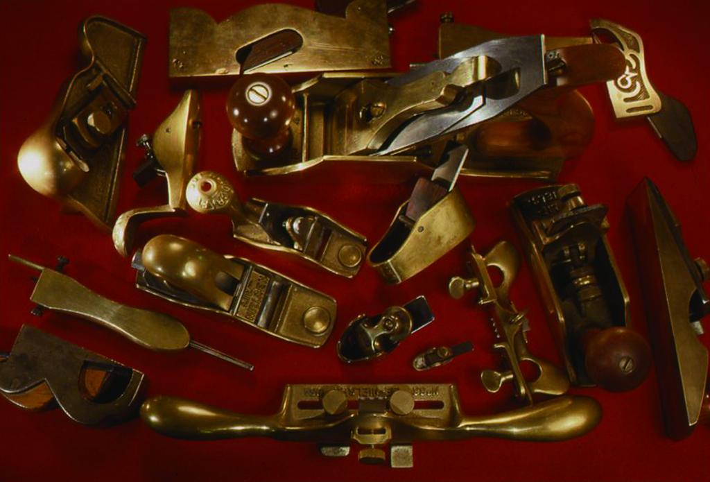 小林健二の道具から、ヨーロッパの工具の中でも、大きさが手ごろで気に入っているものから何点か選んだもの。見ているだけでも美しい。