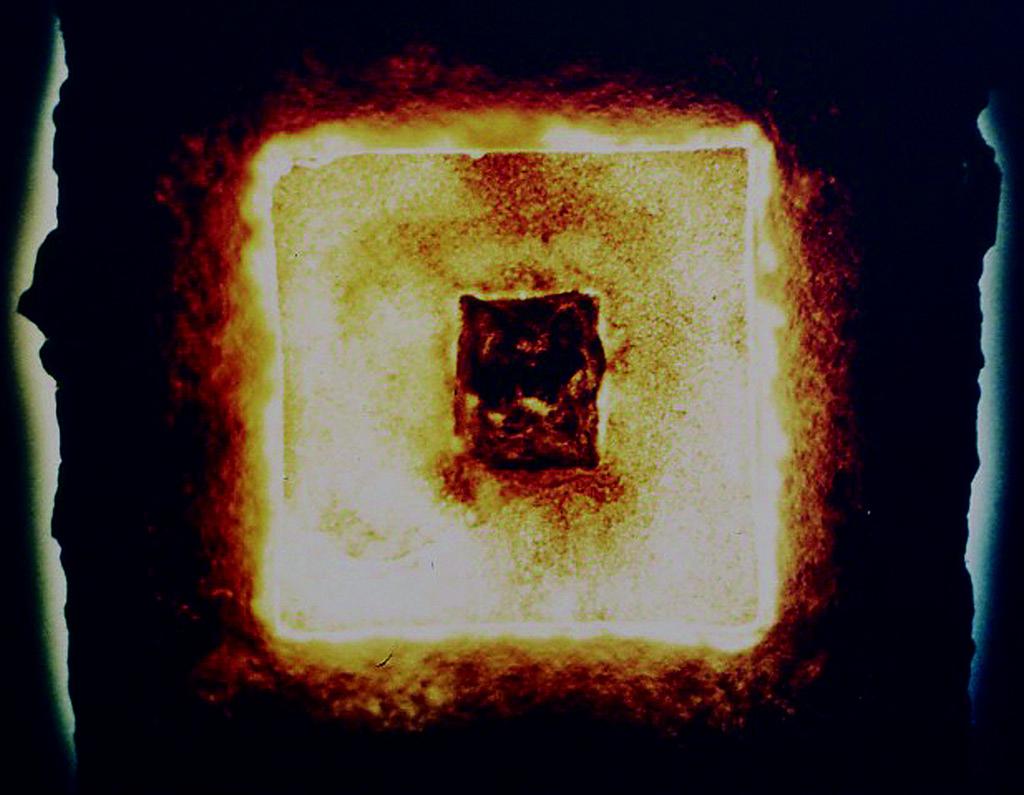 [ピラミッド-PHILAMITUTOX; in the wake of GAIA]1983 電子部品、自漉紙、合成樹脂