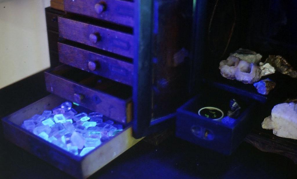 2000年に開催された別の個展での展示