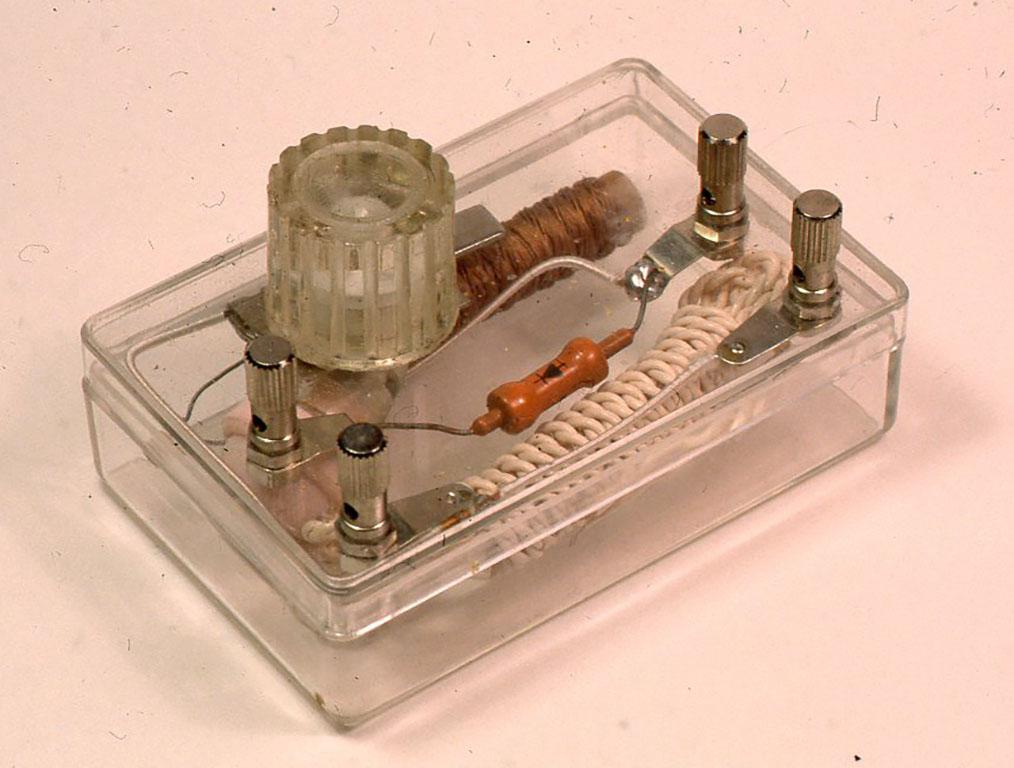 ミュー(μ )同調器を使ったゲルマラジオ 「ぼくらの鉱石ラジオー小林健二著」より