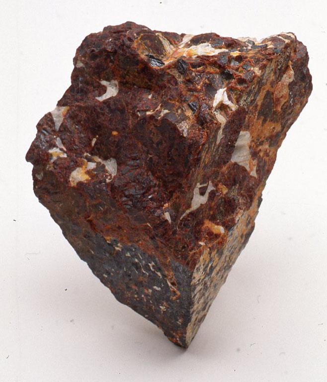 紅亜鉛鉱(こうあえんこう)ZINCITEZ(ジンサイト)。北アメリカのニュージャージー州のフランクリン鉱山しか現在は産出しない。